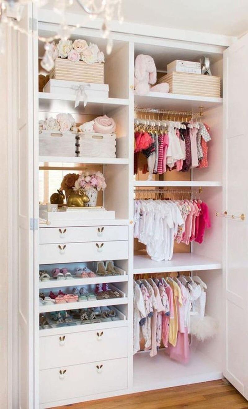bebek odası dekorasyonu dolap fikirleri
